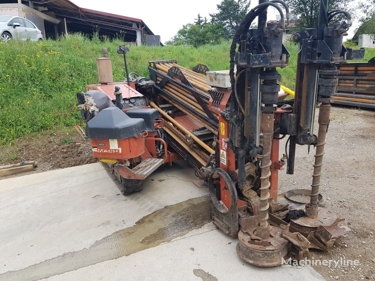 DITCH-WITCH JT2720 horizontal drilling rig