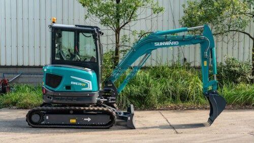 new SUNWARD SWE 35 UF mini excavator