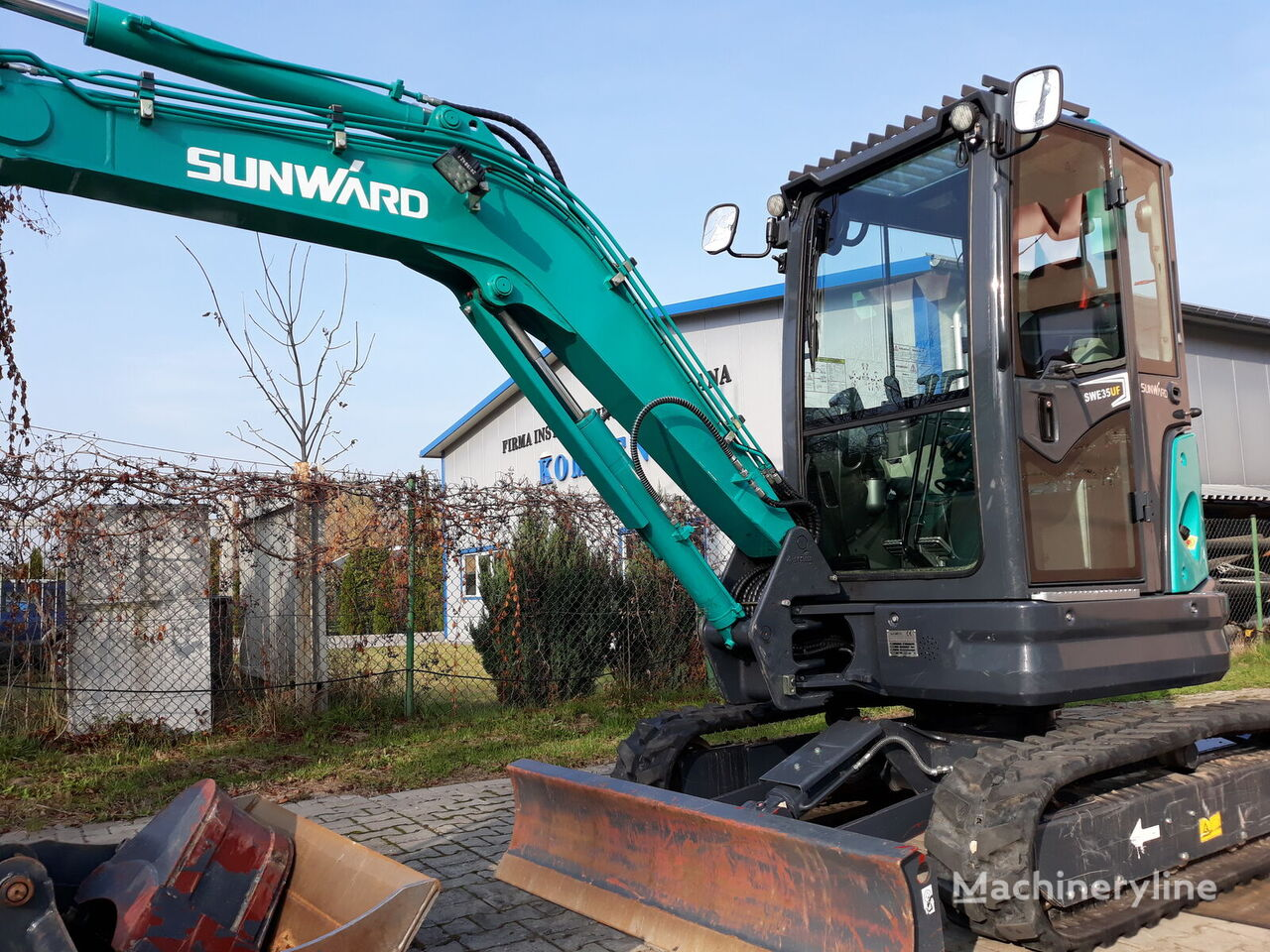 SUNWARD SWE 35UF mini excavator