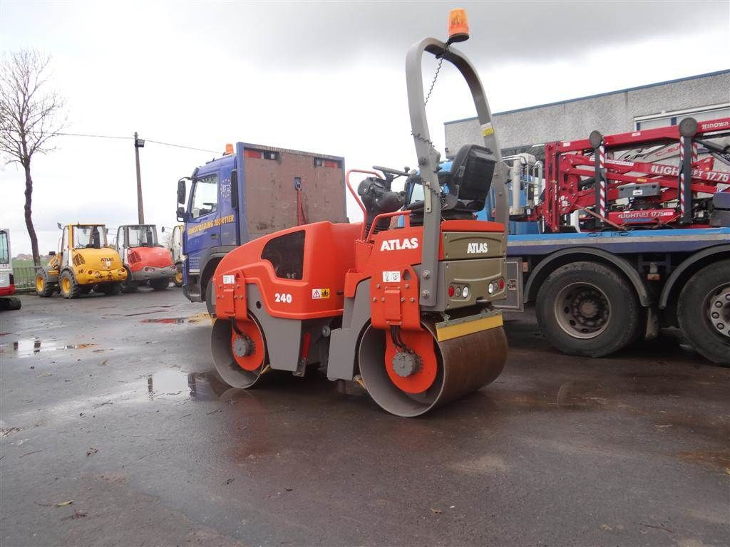 new ATLAS AW240 mini road roller