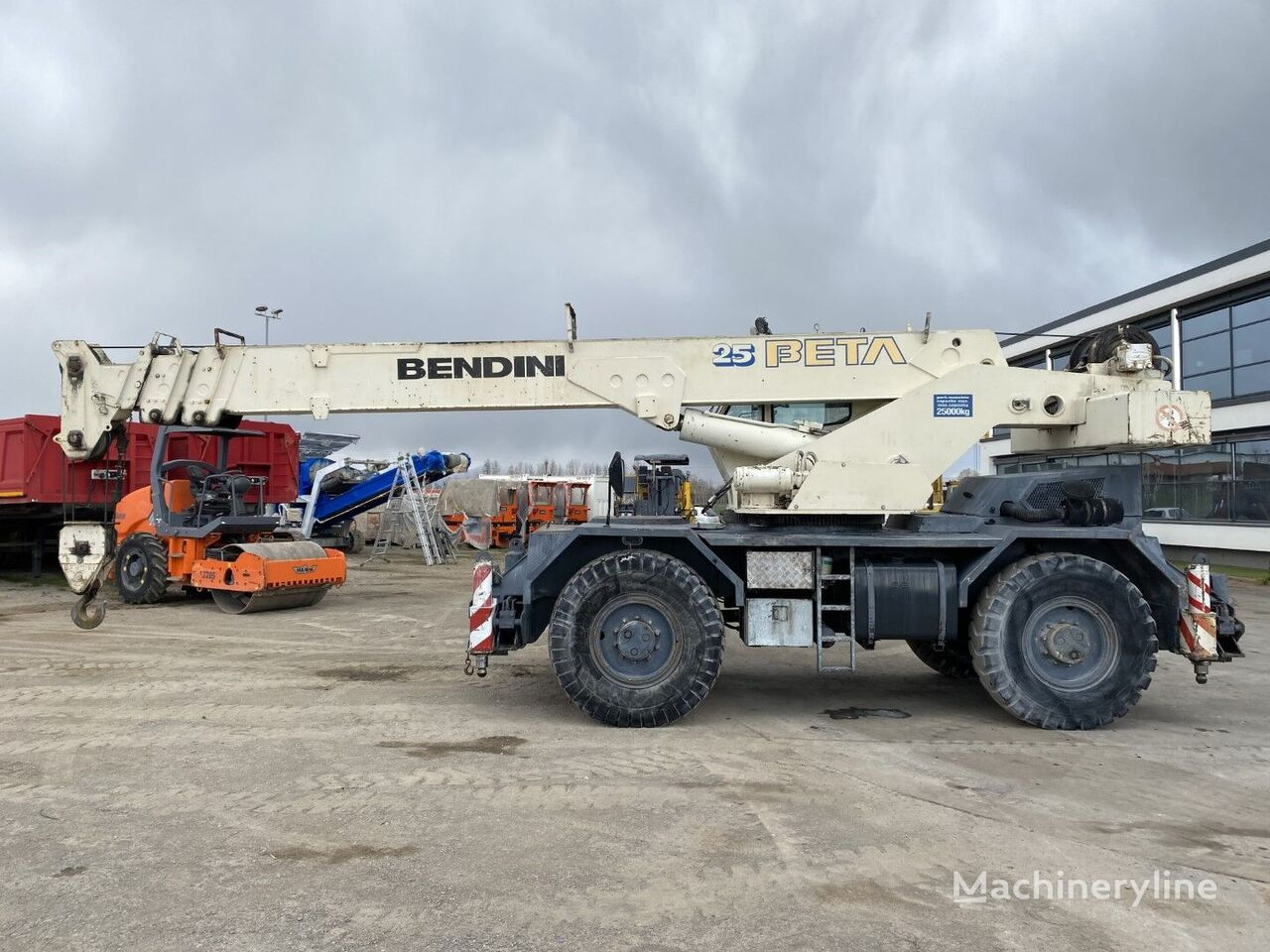 Bendini Beta 25 mobile crane