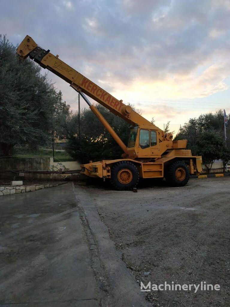COLES Husky mobile crane