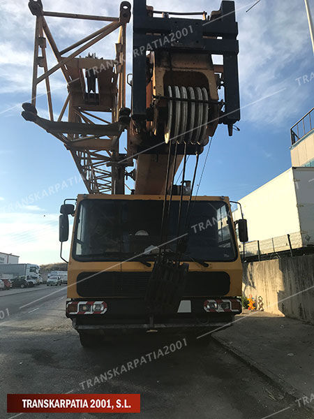 KRUPP KMK 3045 mobile crane