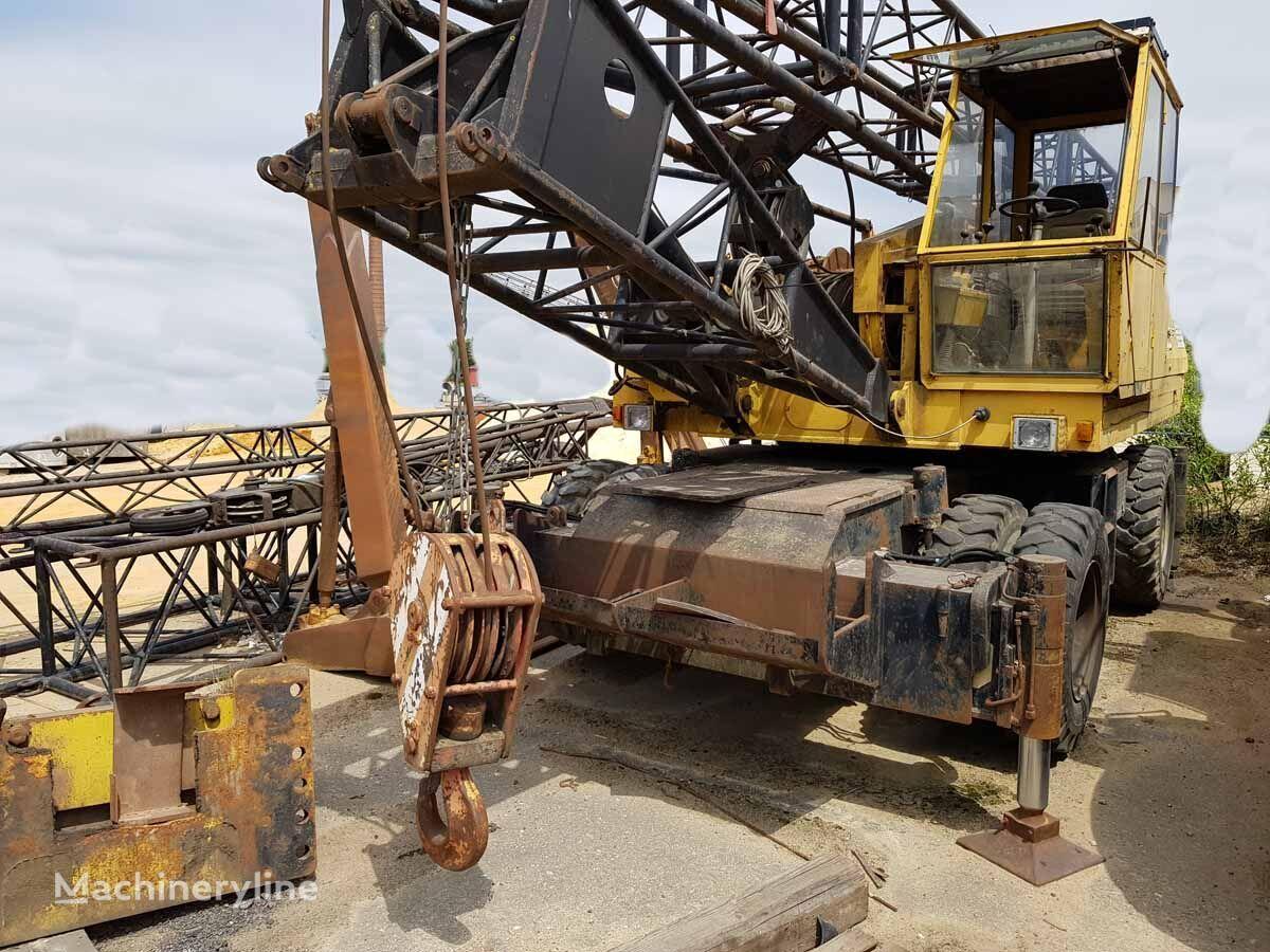 SENNEBOGEN S1225M mobile crane