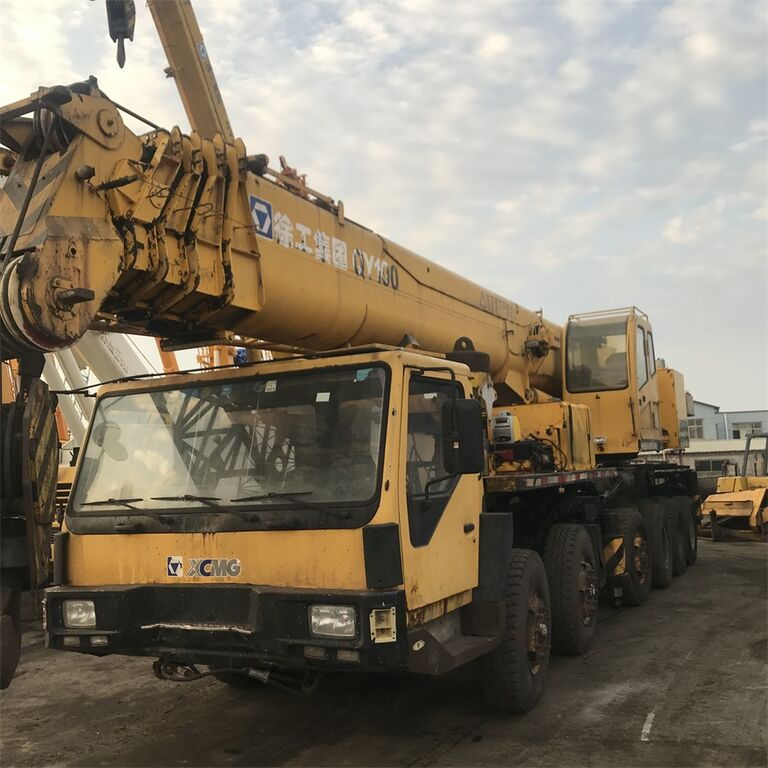 QY100K on chassis XCMG QY100K mobile crane