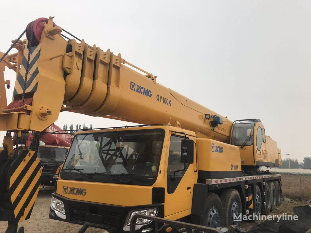 QY100K  on chassis XCMG QY100K 100ton  mobile crane