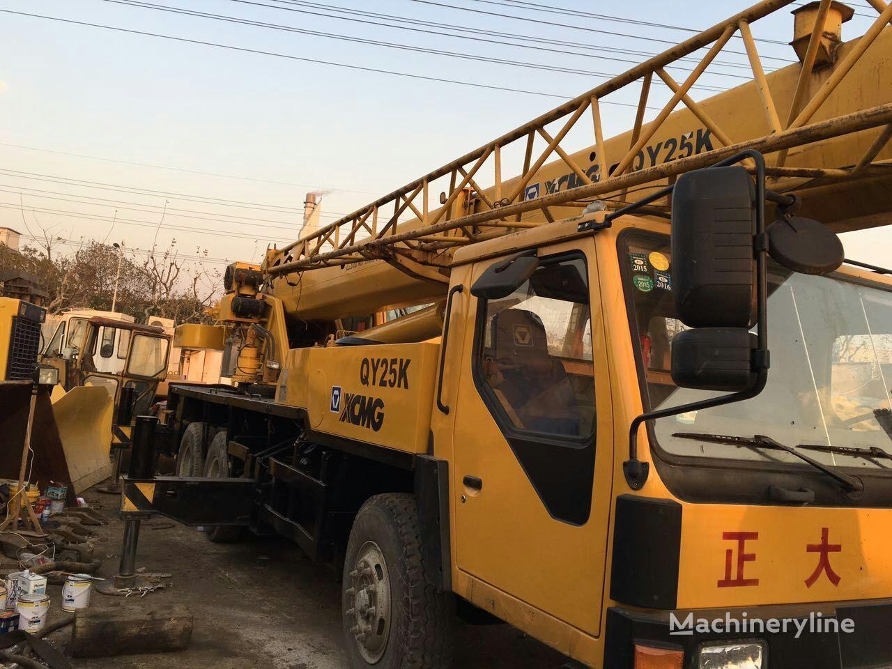 XCMG QY25K mobile crane