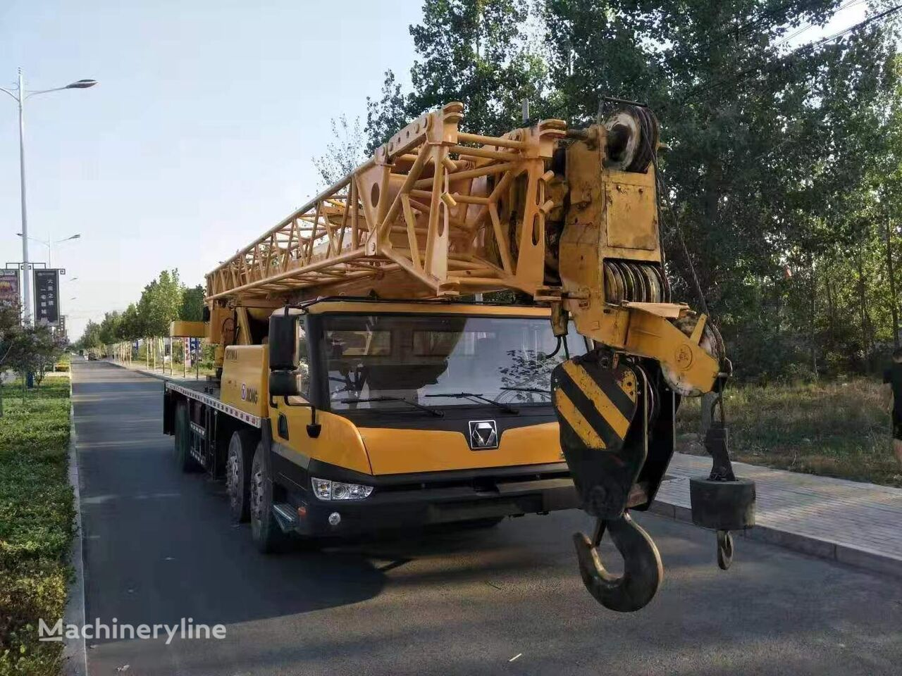 QY70K  on chassis XCMG QY70K 70ton  mobile crane