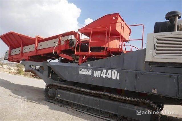 SANDVIK UH440i mobile crushing plant