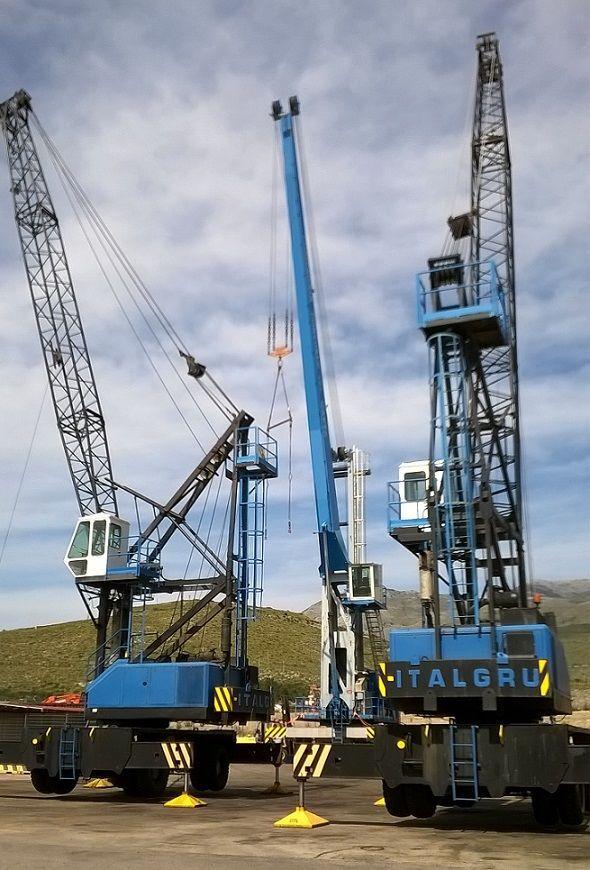 Italgru 180 P port crane