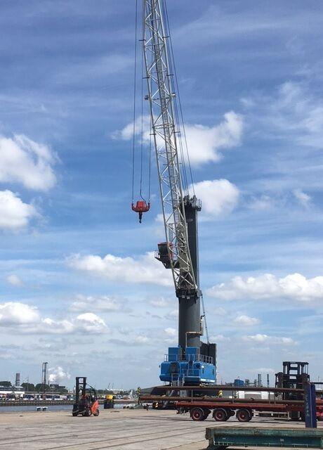 LIEBHERR LHM 400 - 4-rope portal crane