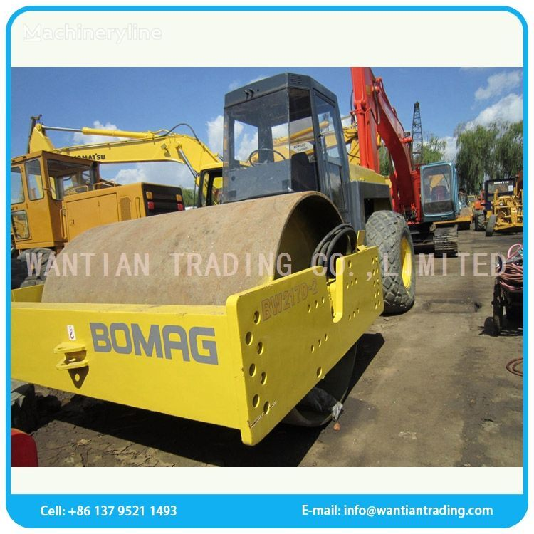 BOMAG BW217 road roller