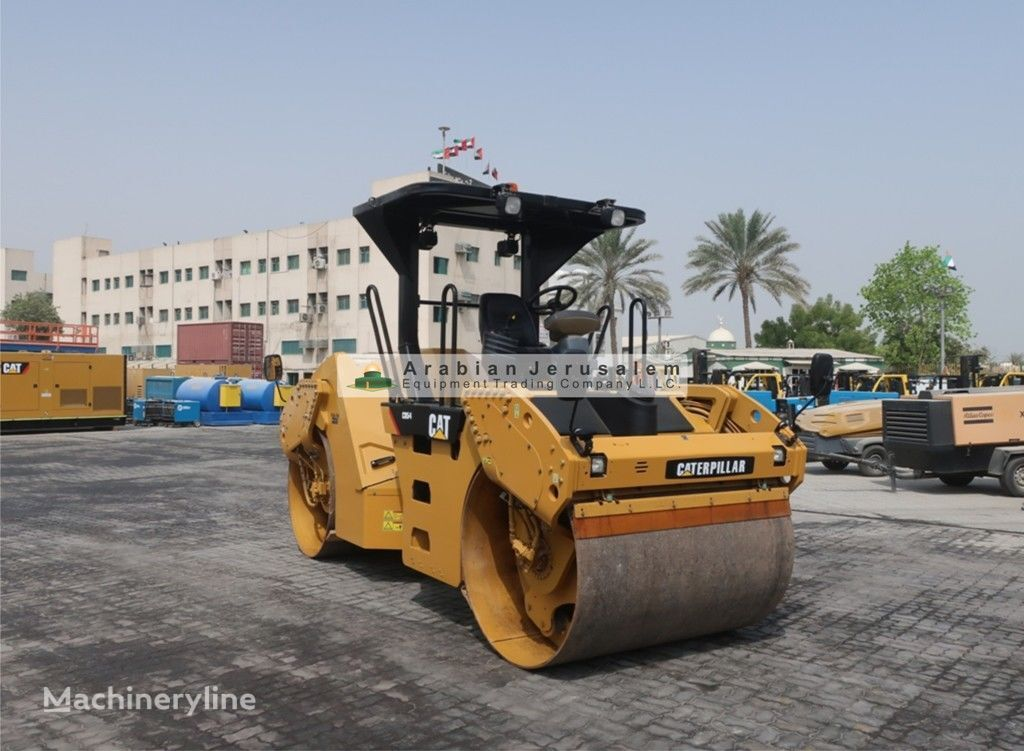 CATERPILLAR CB54 (ID-18235) road roller