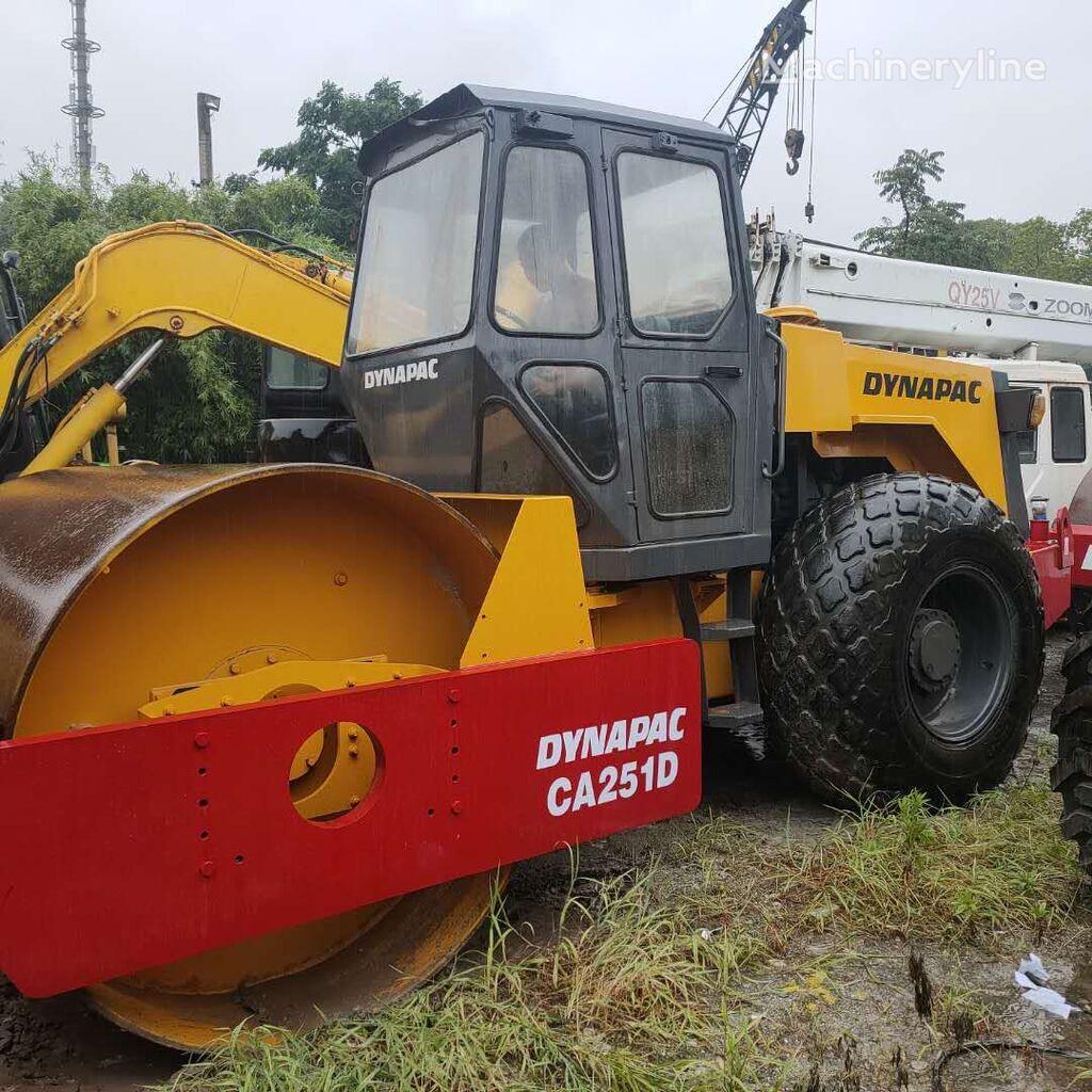 DYNAPAC CA 251 road roller