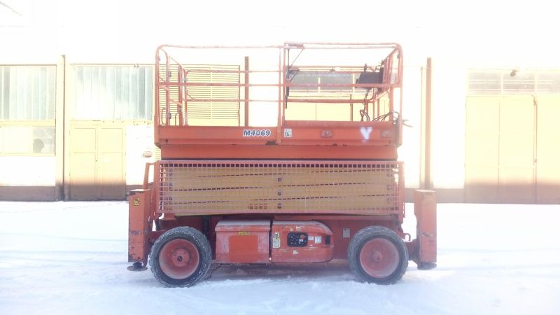 JLG  M4069 - 14,19m - electric & diesel scissor lift