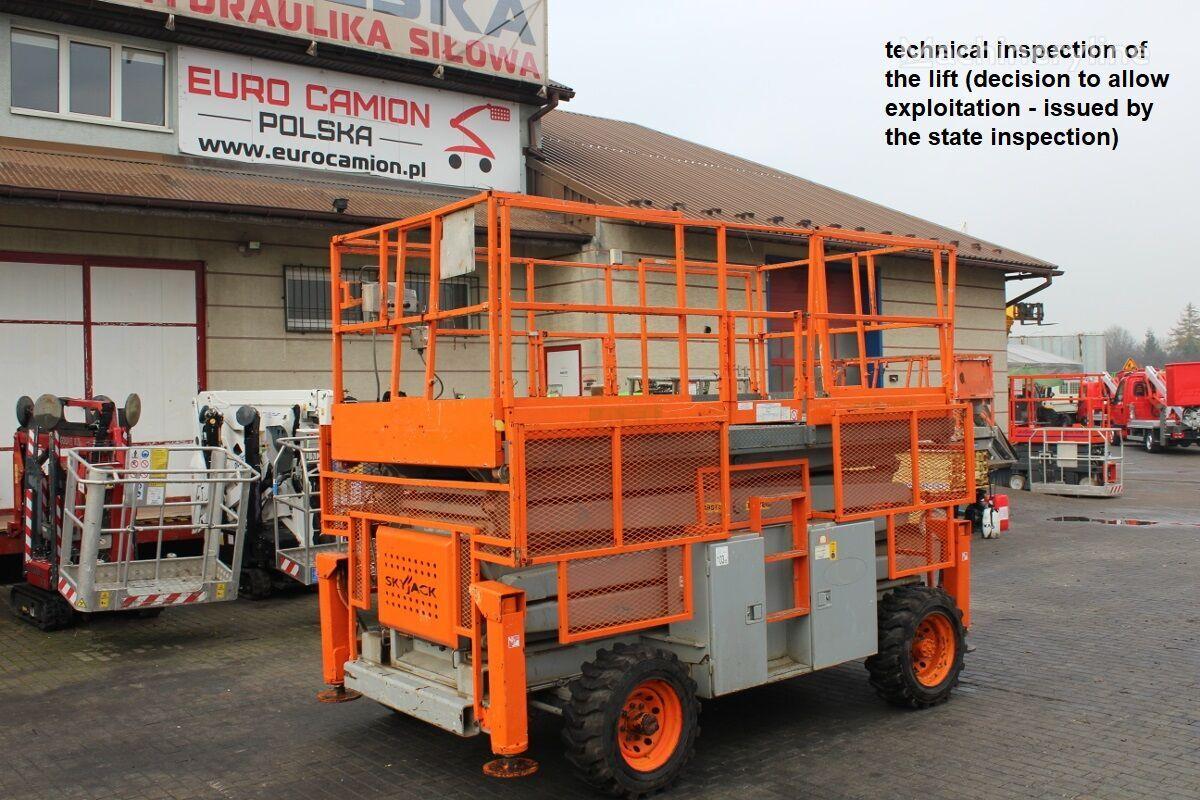 SKYJACK SJ 8841 RT - 15 m (Haulotte H 15 SX, Genie GS 4390 RT, JLG 4394 scissor lift