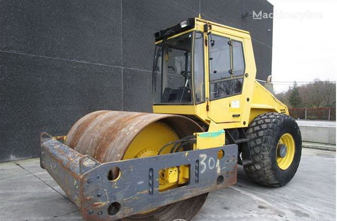 BOMAG BW 211 D-3 single drum compactor