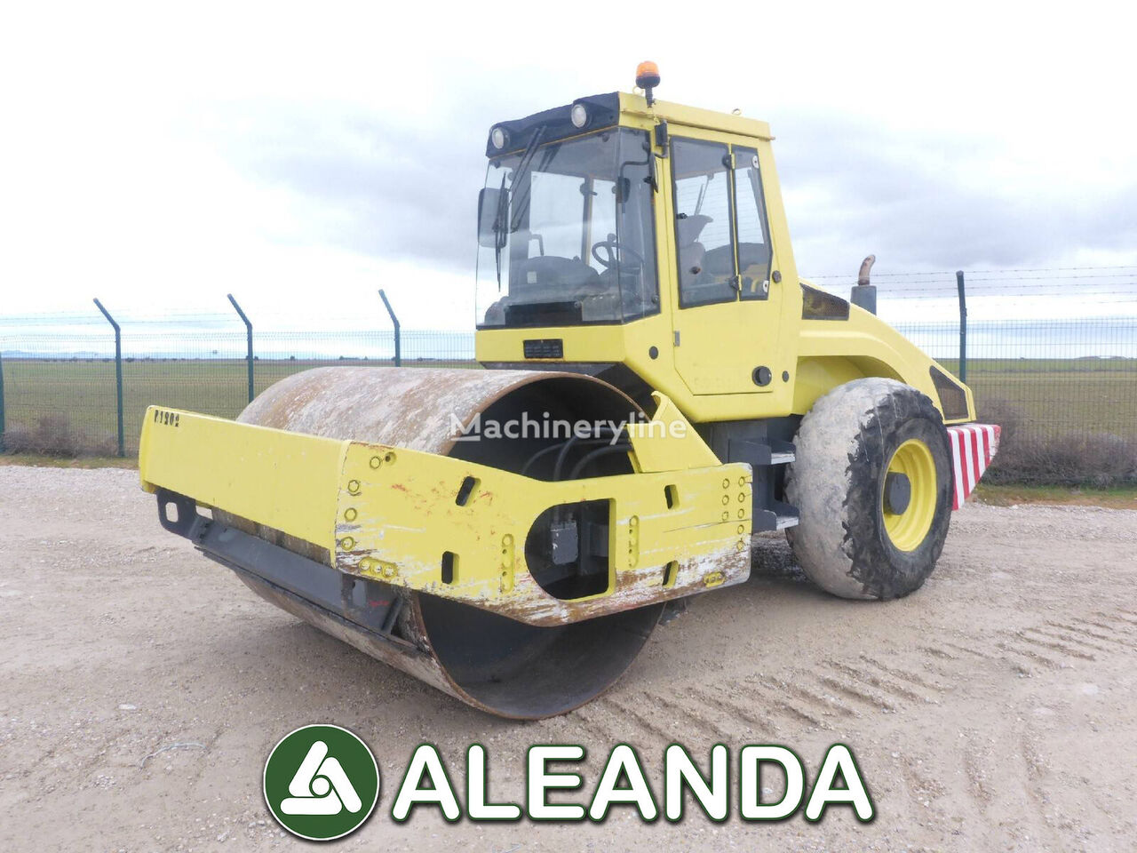 BOMAG BW211D-4 single drum compactor