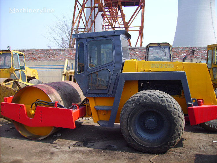 BOMAG BW213D single drum compactor