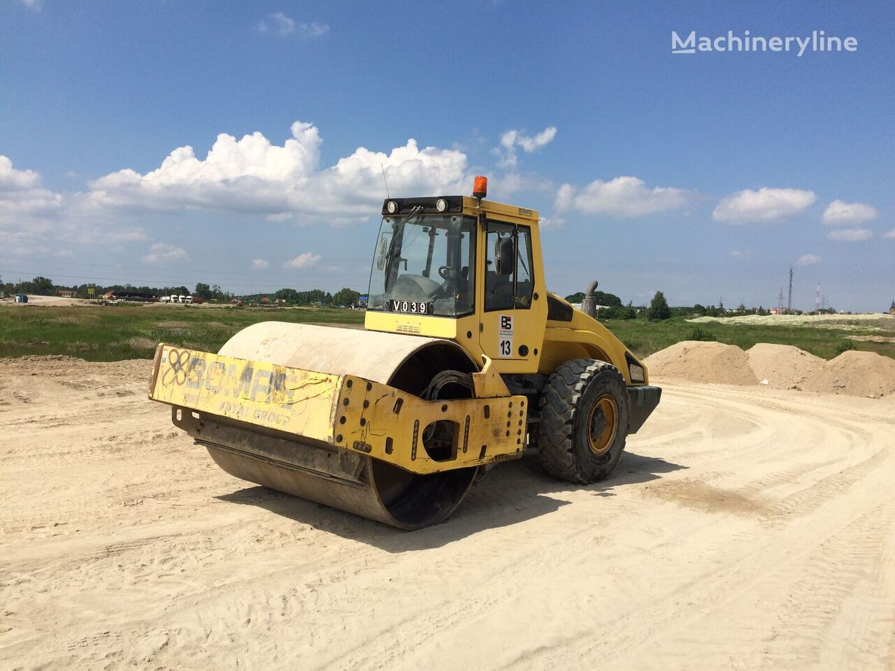 BOMAG BW219 DH-4 single drum compactor