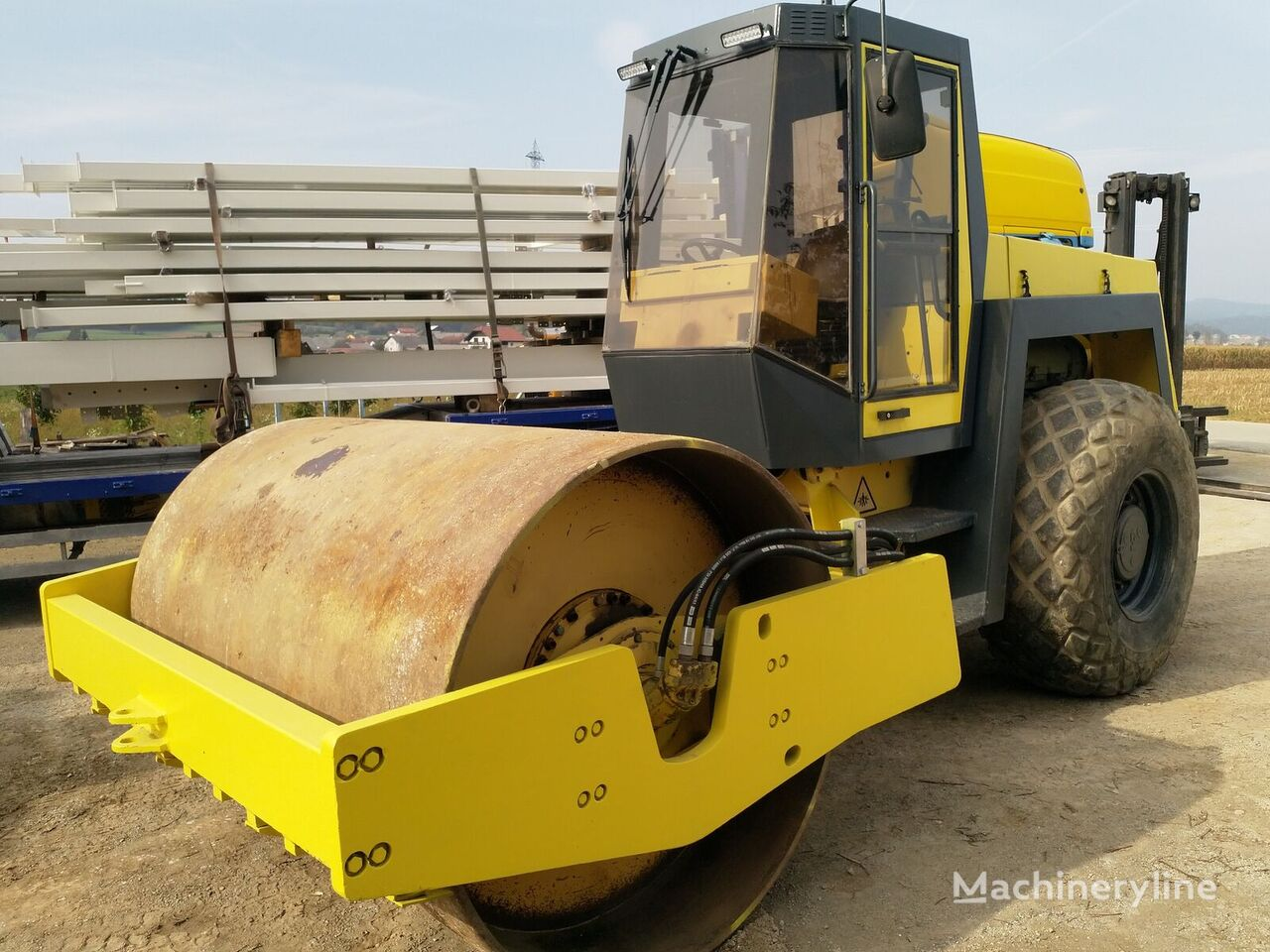 BOMAG Bw213 D-2 single drum compactor