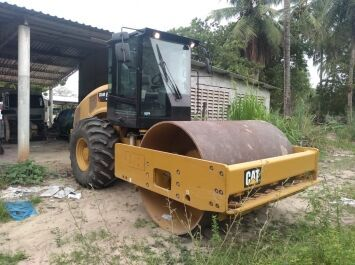 CATERPILLAR CS54B single drum compactor