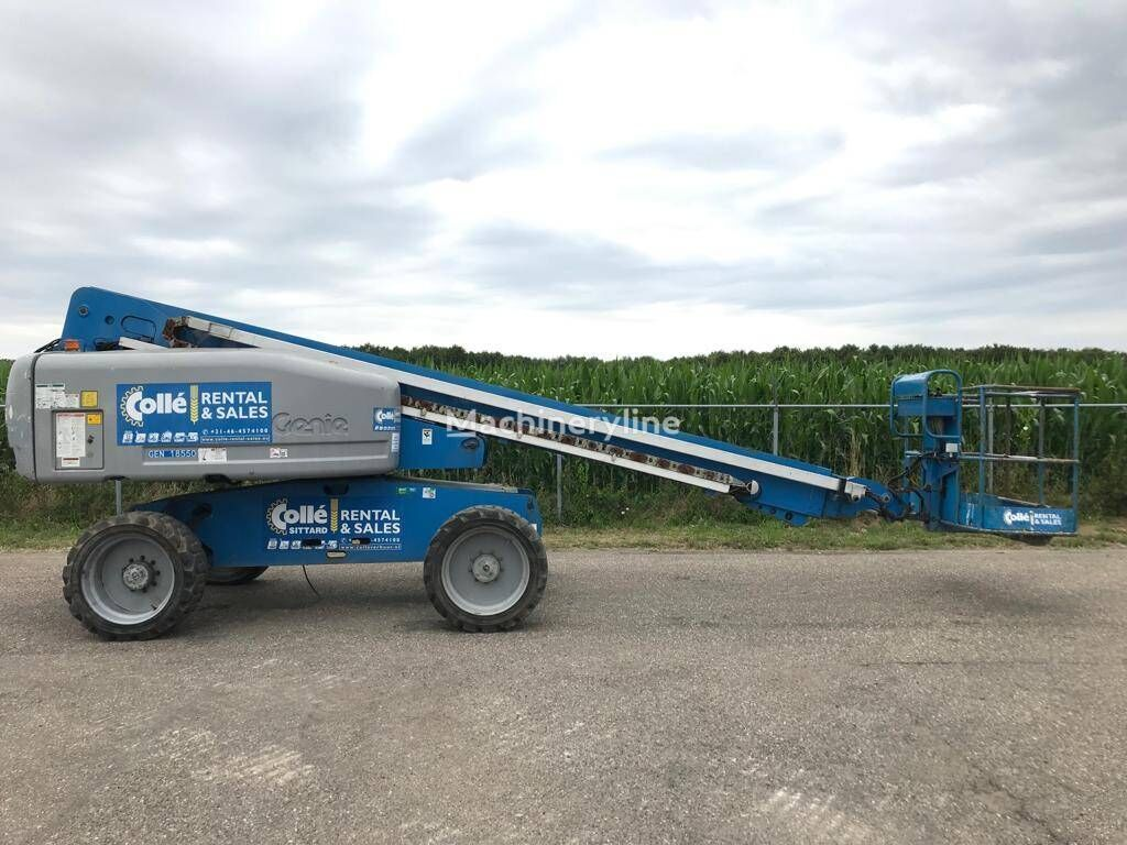 GENIE S 60 telescopic boom lift