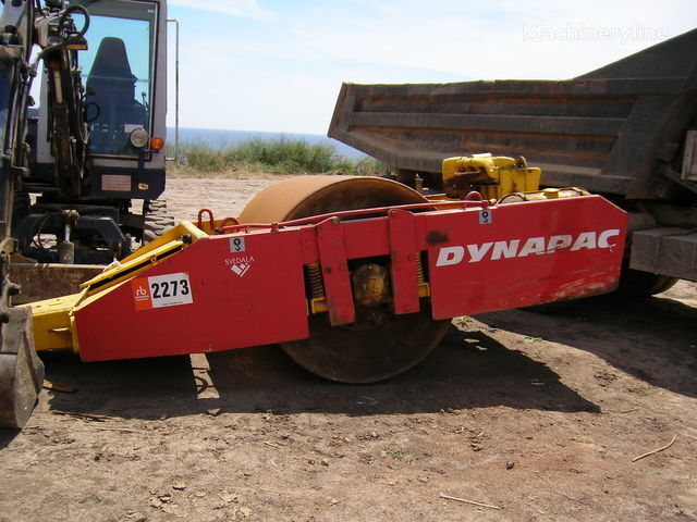 DYNAPAC towed roller