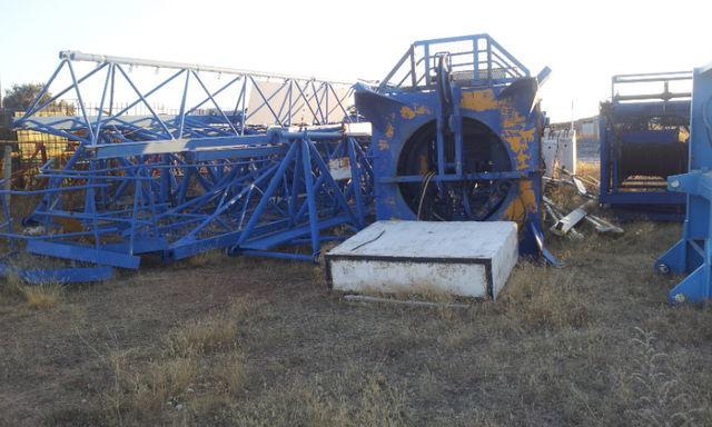 POTAIN 775 A opcion base y jaula de telescopaje tower crane