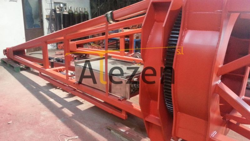 SAEZ s 46 RECONDITIONED tower crane