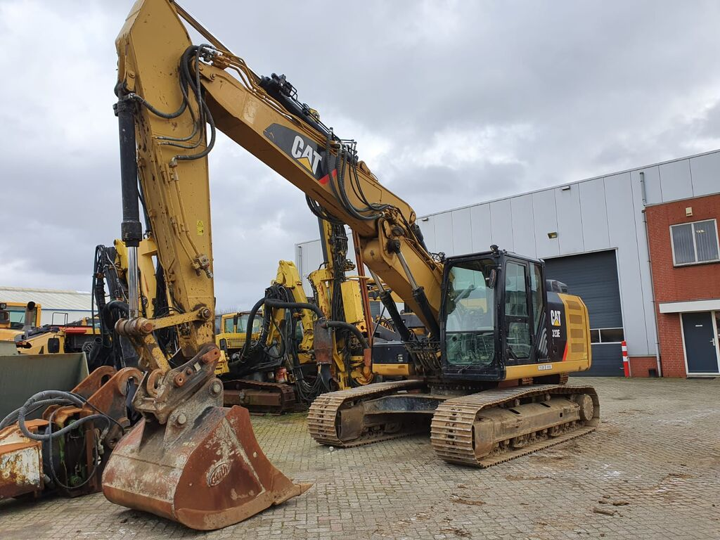 CATERPILLAR 323EL tracked excavator