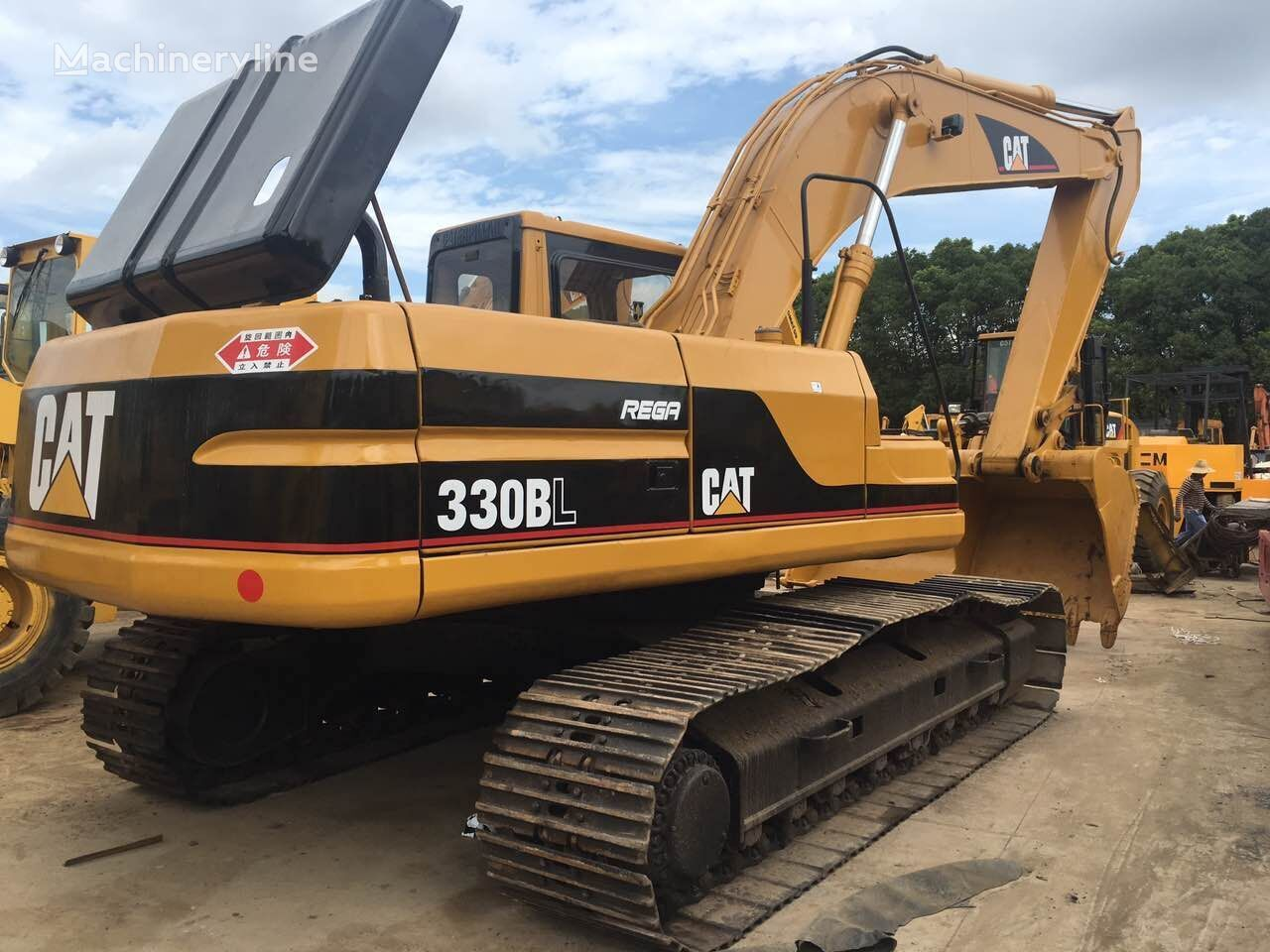 CATERPILLAR 330B tracked excavator