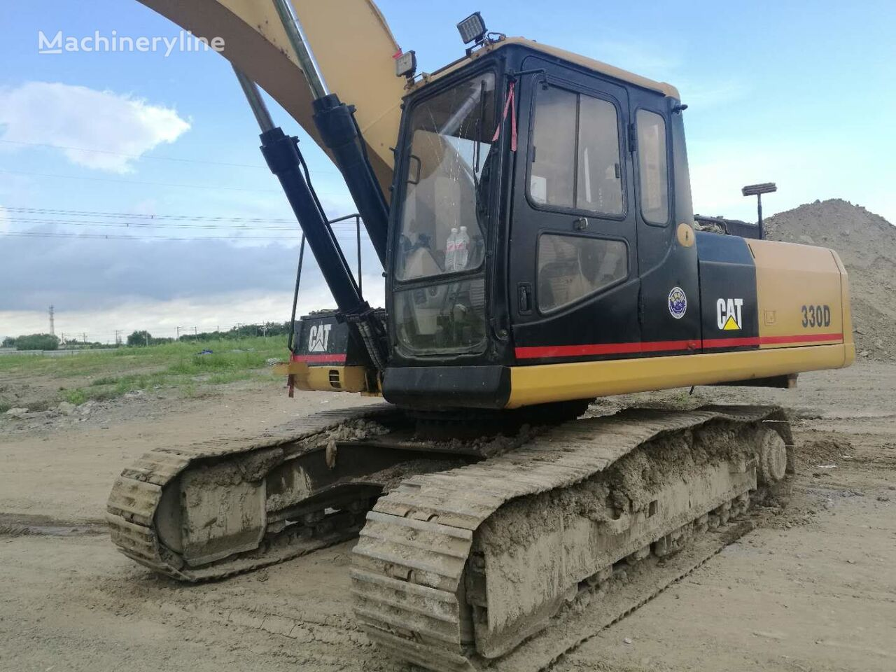 CATERPILLAR 330DL tracked excavator