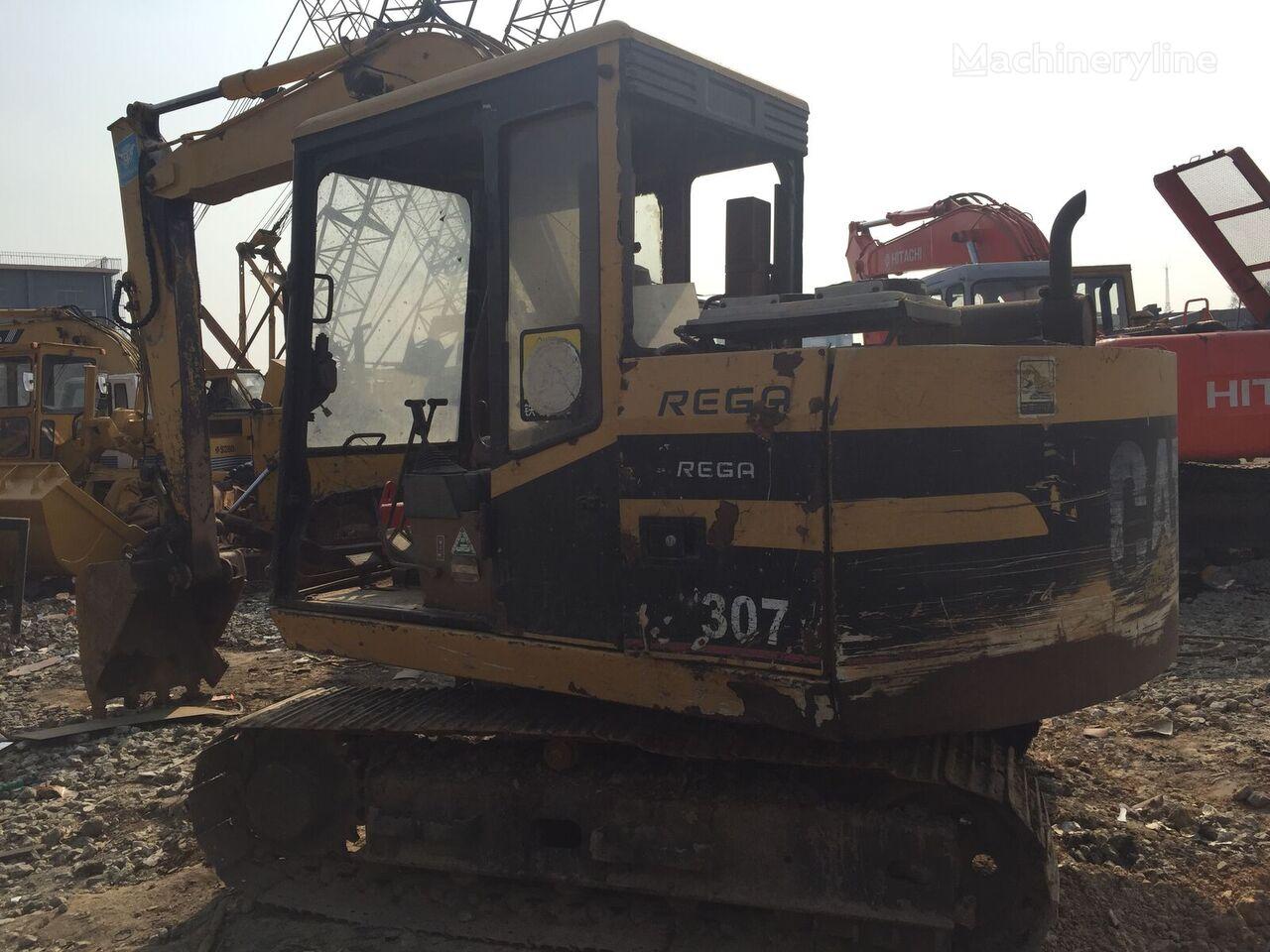CATERPILLAR E70B tracked excavator
