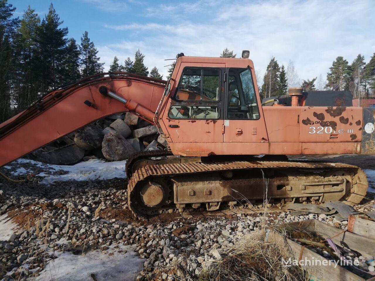 DAEWOO 320LC-3 tracked excavator