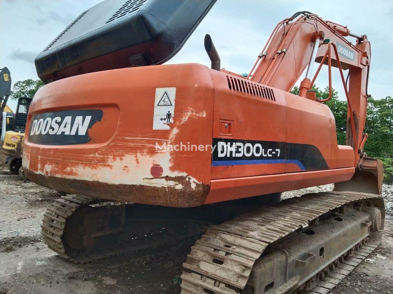 DOOSAN DH300-7 tracked excavator