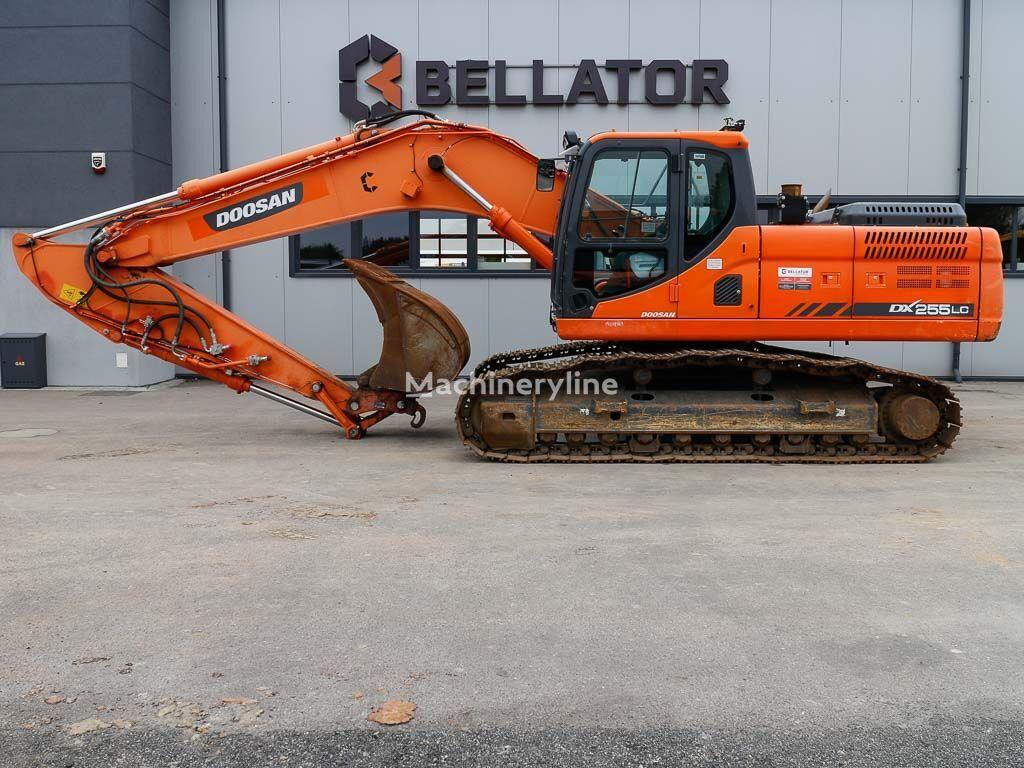 DOOSAN DX255LC-3 tracked excavator