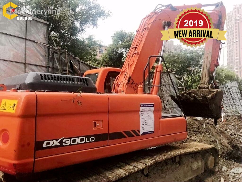 DOOSAN DX300 tracked excavator