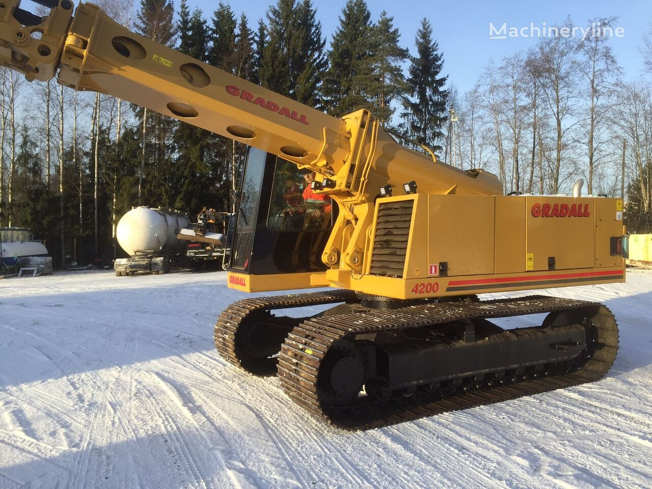 GRADALL XL4200 tracked excavator for rent, tracked digger, crawler