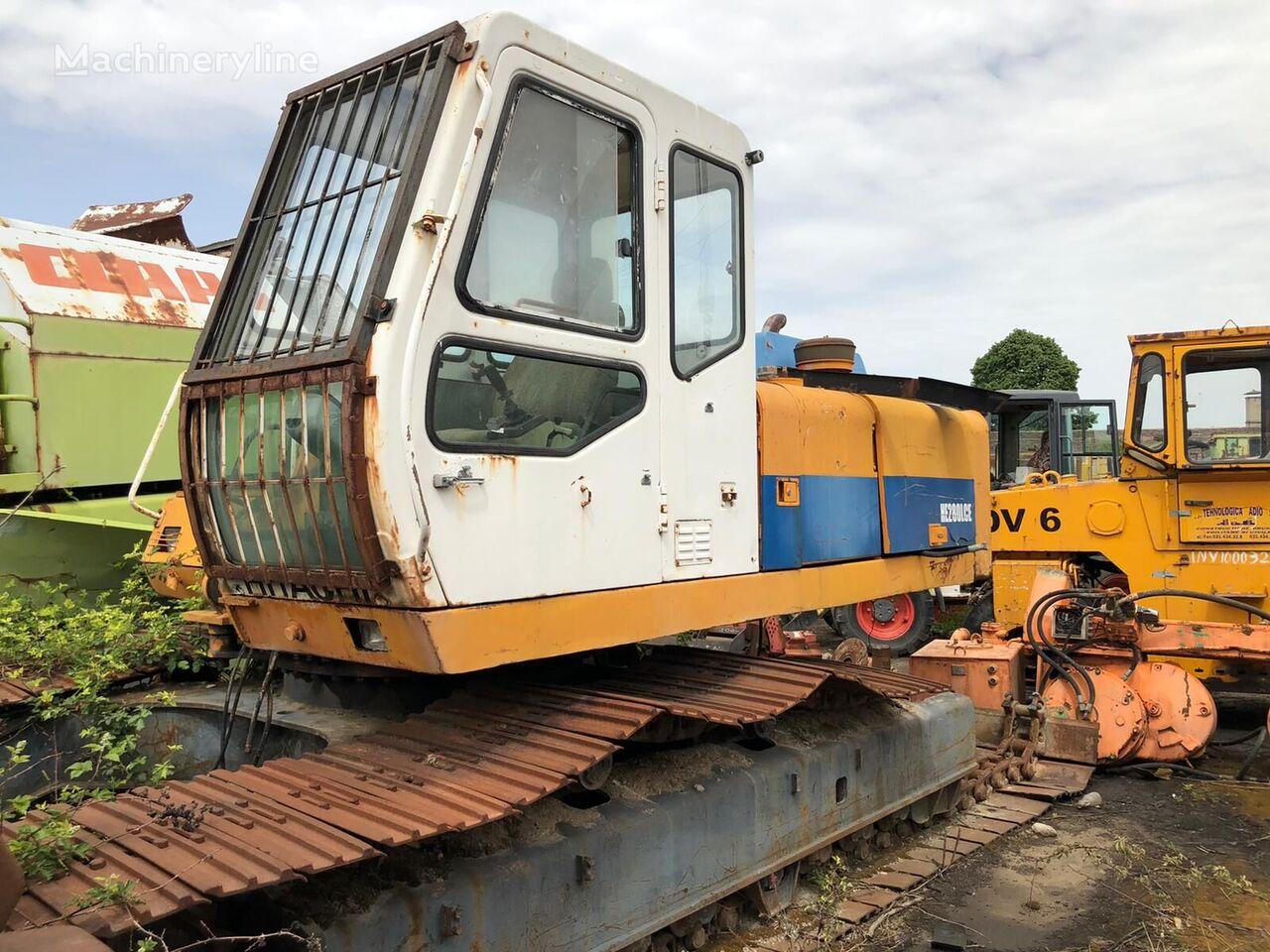 HALLA HITACHI HE 280 FOR PARTS tracked excavator