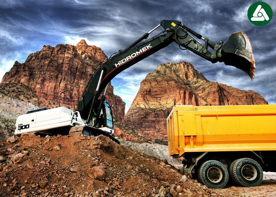 new HIDROMEK  NOVYY HMK 300 LC PLUS (0676906868, Dmitro) tracked excavator