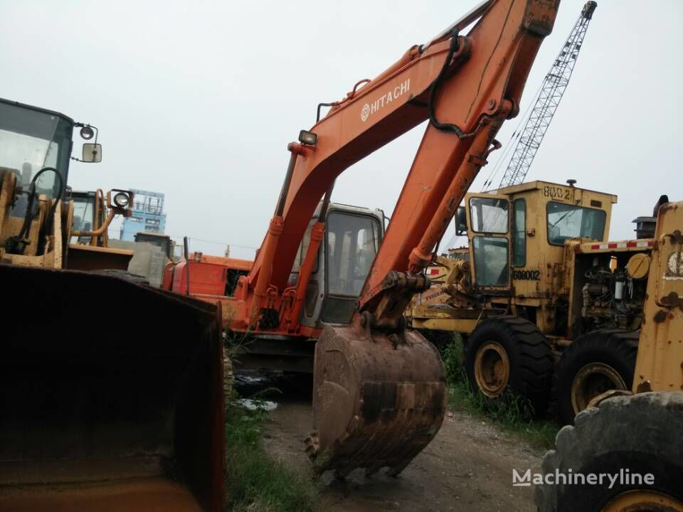 HITACHI EX120-1 tracked excavator