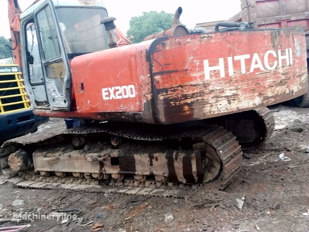 HITACHI EX200-1 tracked excavator