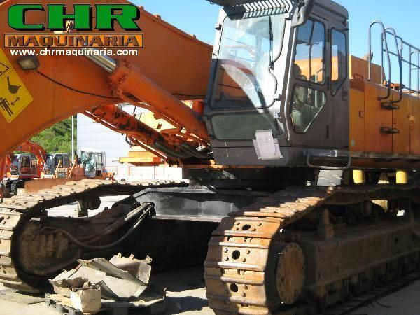 HITACHI EX800 tracked excavator