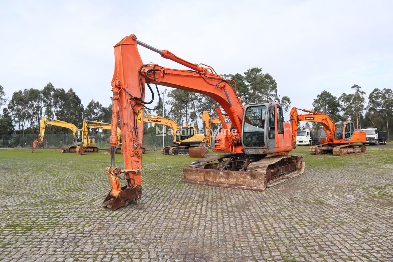HITACHI ZX225US tracked excavator