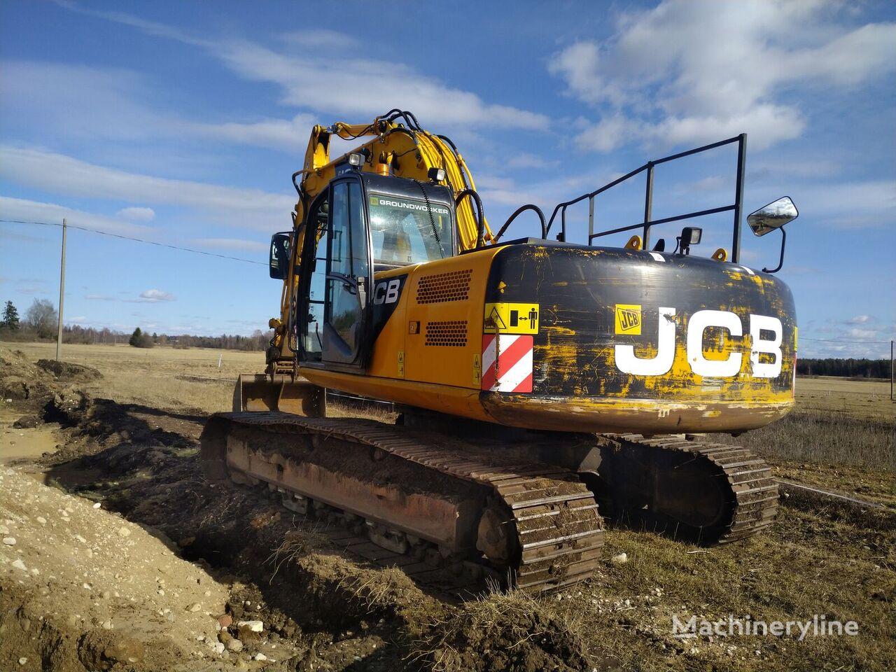 JCB JCB JS220 tracked excavator