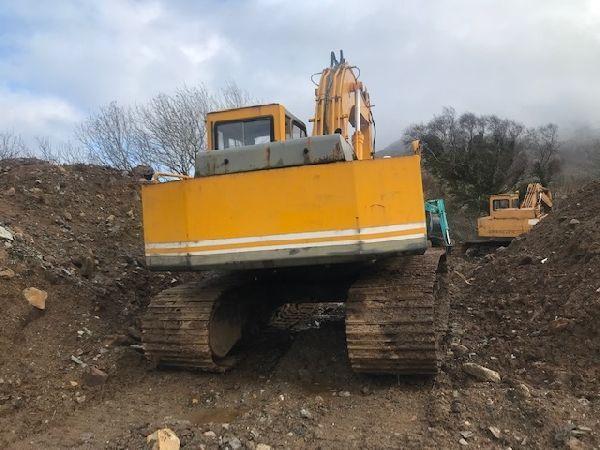 JCB JS130 tracked excavator