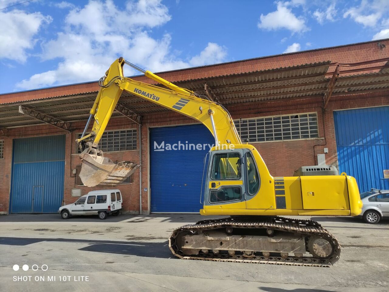 KOMATSU PC 210 - 6K tracked excavator