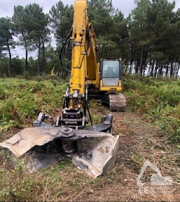 KOMATSU PC 210 NLC-8K tracked excavator