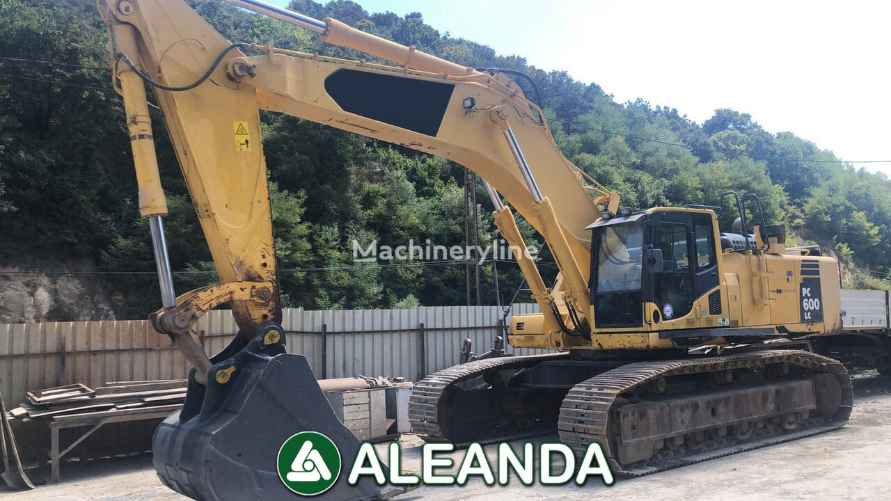 KOMATSU PC 600 LC tracked excavator